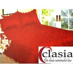 Cuvertura de pat rosie cu broderie