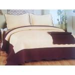 Cuvertura de pat crem cu margine maro inchis
